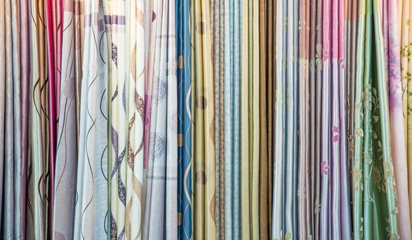 Commencez par choisir un tissu pour votre housse