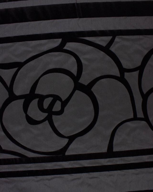 Tissu Fleur noire sur fond Noir - Tissushop